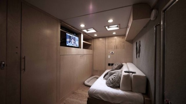 cargo-trailer-turned-to-transforming-stealth-tiny-house-002-600x336