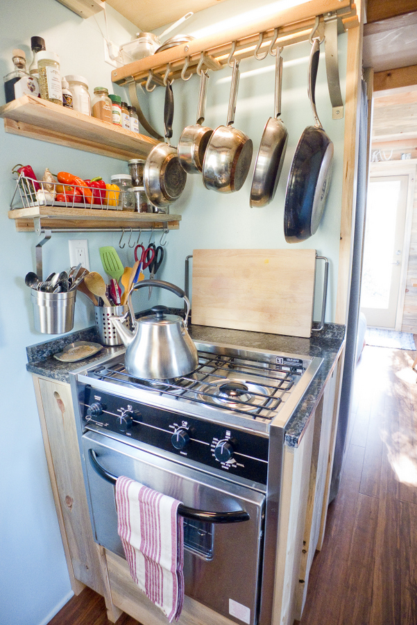 1-kitchen_stove1