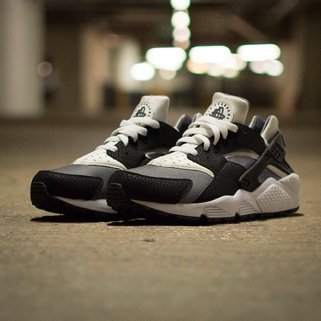 nike air huarache with jeans