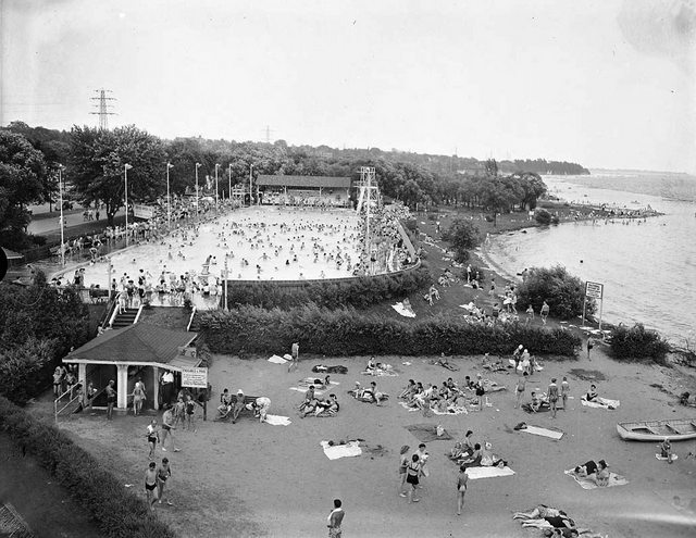 Sunnyside_Pool_and_Beach