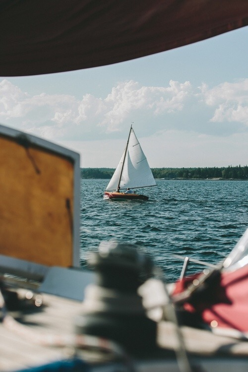Twenty Eight Feet Explore Find Yourself Life On A Wooden Boat